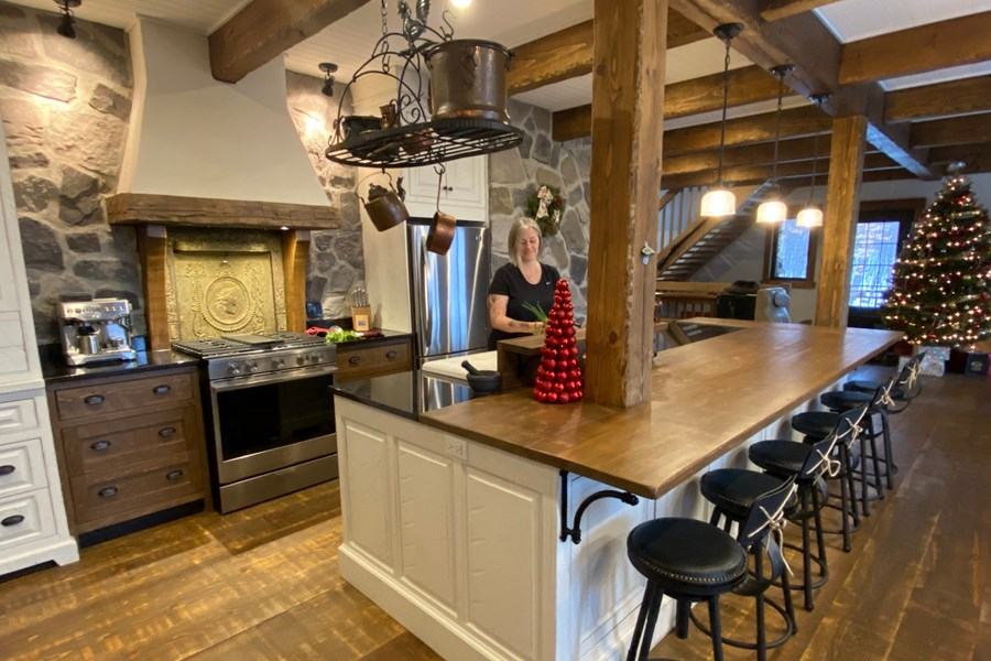 Construction style ranch-rustic dans les Laurentides